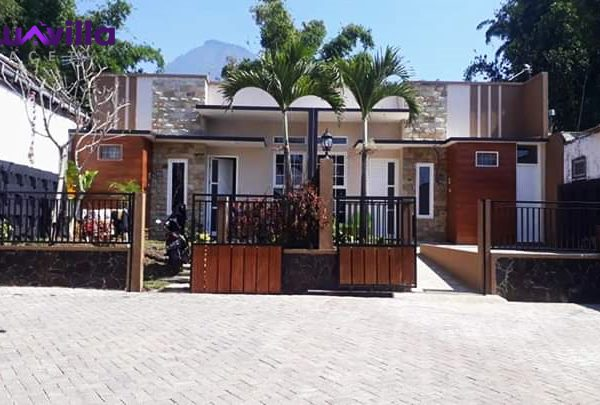 villa batu kolam renang pribadi dekat dengan wisata BNS