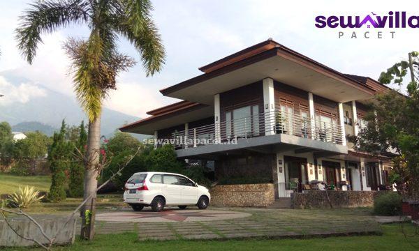 bangunan artistik dan mewah villa agape pacet mojokerto