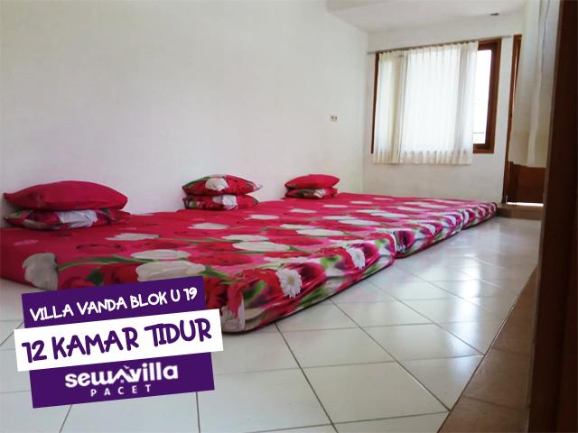 12 kamar tidur mampu menampung hingga 100 peserta villa vanda blok u 19 trawas