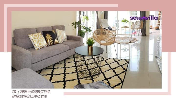 ruang tamu villa skyrose batu bersih terawat dengan furniture mewah