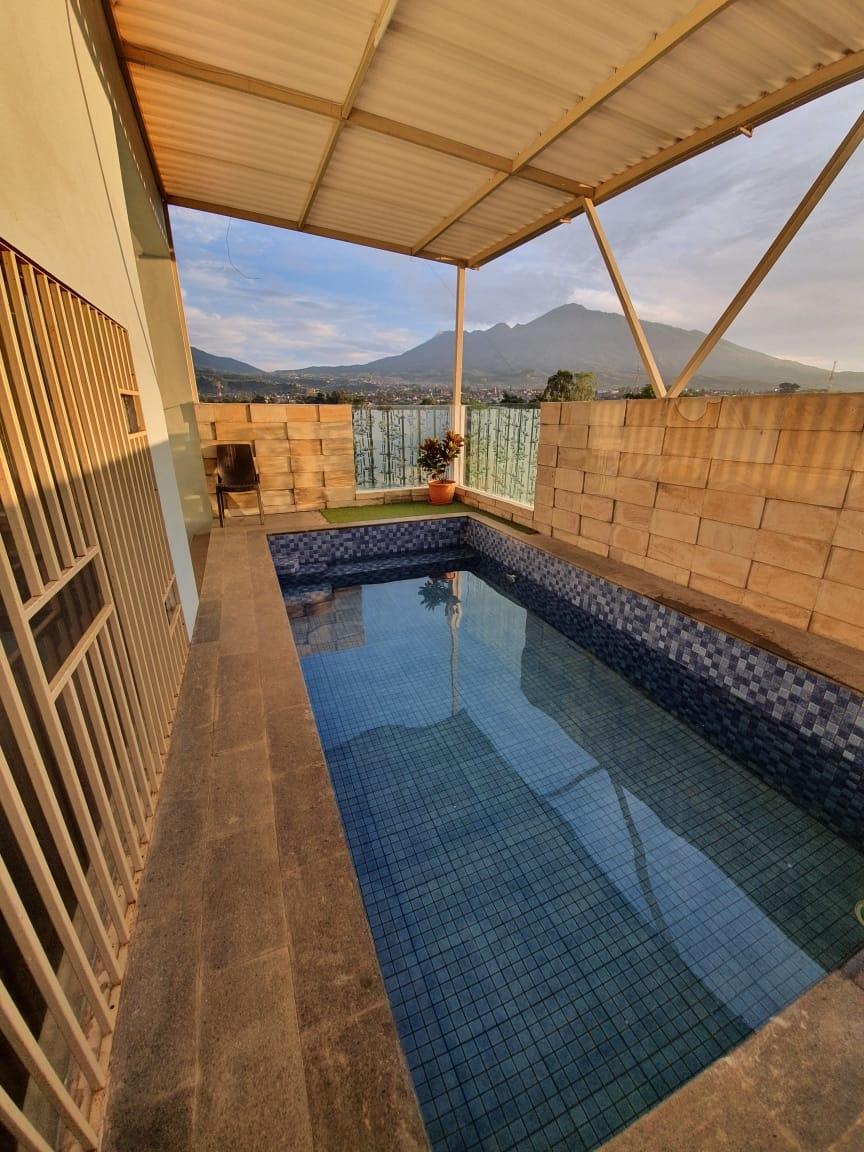 villa b24 batu kolam renang pribadi dengan pemandangan gunung dan sawah