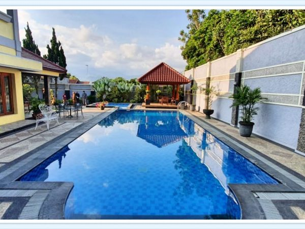 villa batu kolam renang akomodasi pilihan menginap saat berwisata di kota Batu Malang