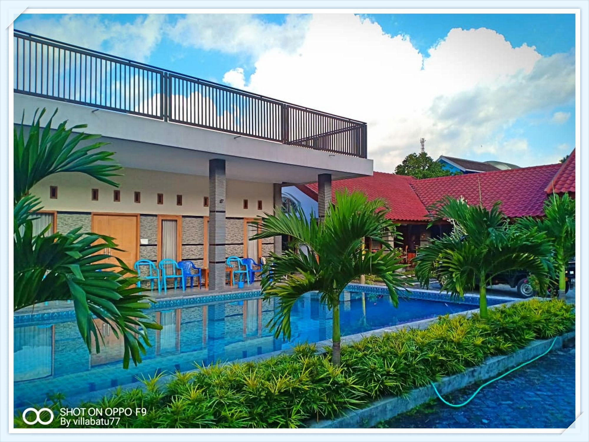 villa seruni batu modern dilengkapi kolam renang pribadi yang luas