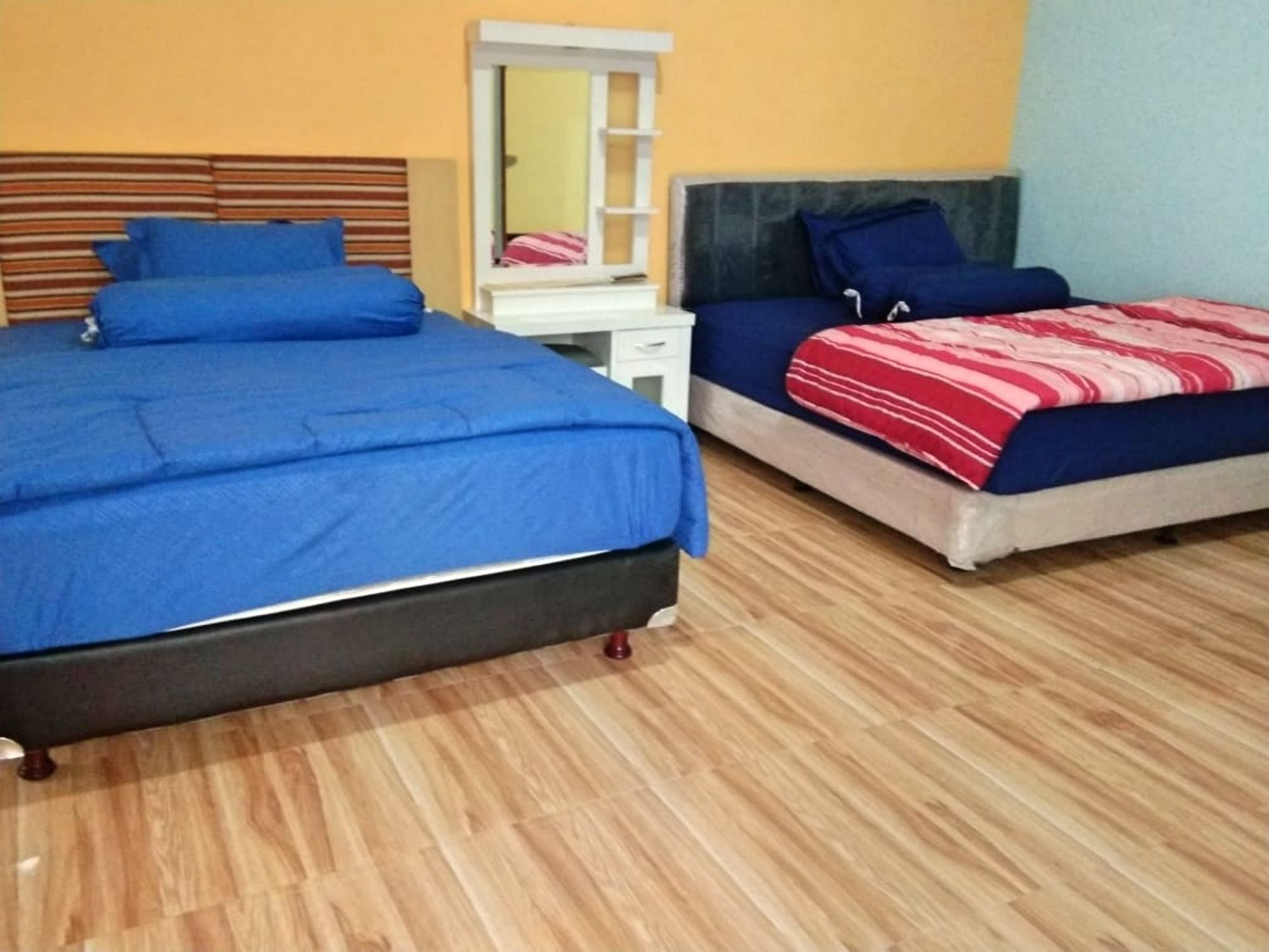 villa bsf batu modern mewah dengan empat kamar tidur