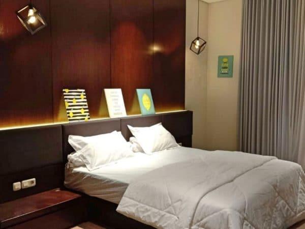 kamar tidur luas villa wijaya kusuma batu lengkap ac