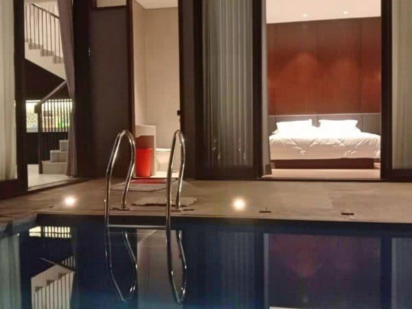 villa wijaya kusuma batu modern mewah kolam renang pribadi