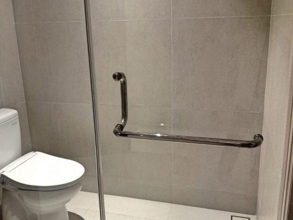 kamar mandi air panas lengkap shower villa wijaya kusuma batu