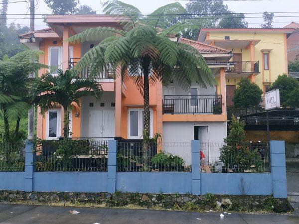 Villa Haris Pacet Murah Dekat Wisata Air Panas Padusan